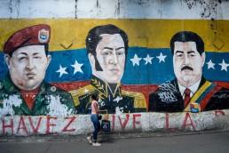 chavez maduro bolivar mural